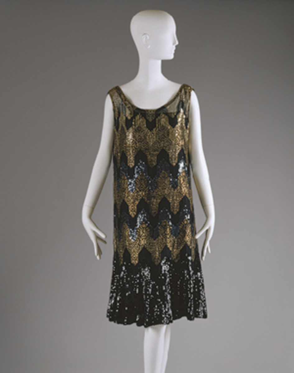 Beaded Chanel flapper dress circa 1926–1927