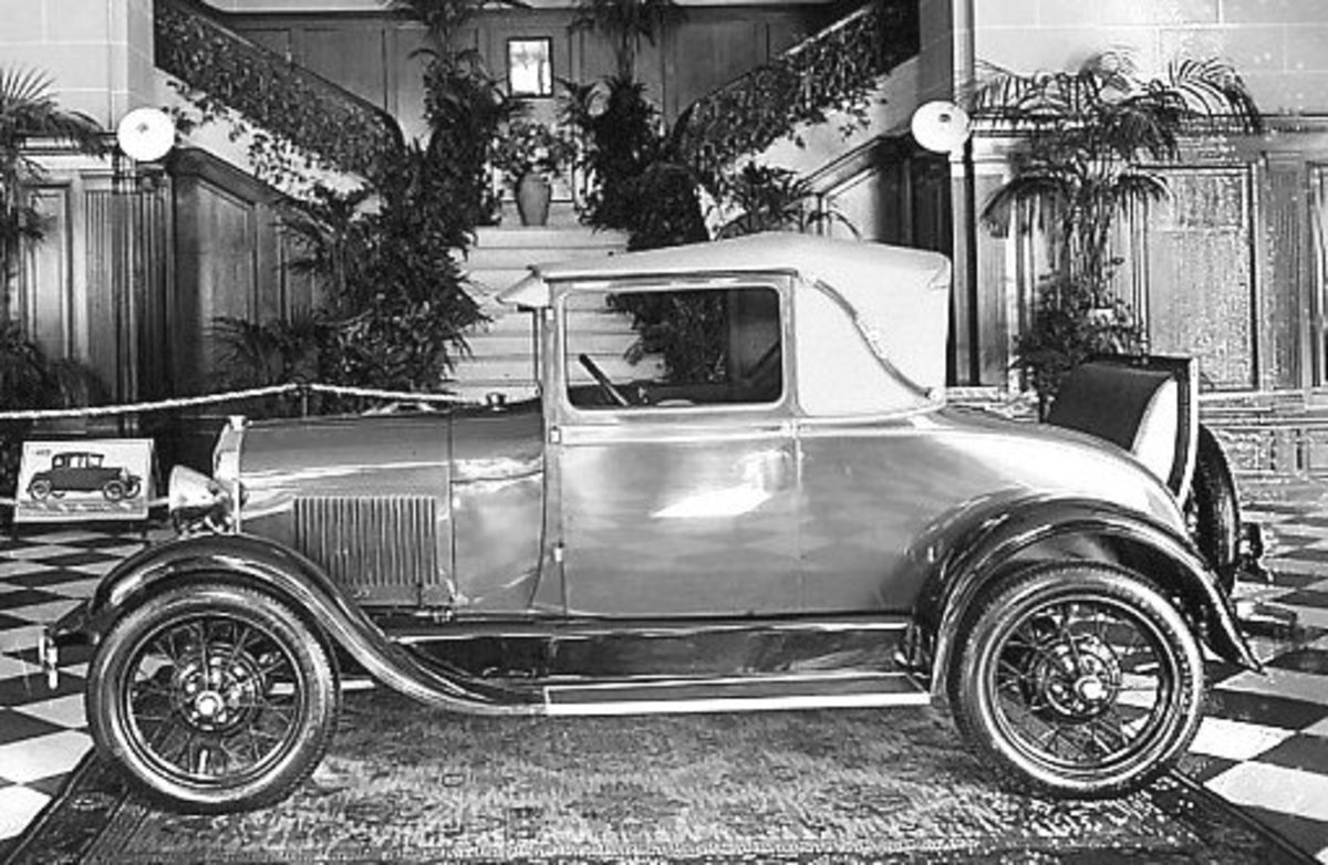 1920s Ford automobile showroom