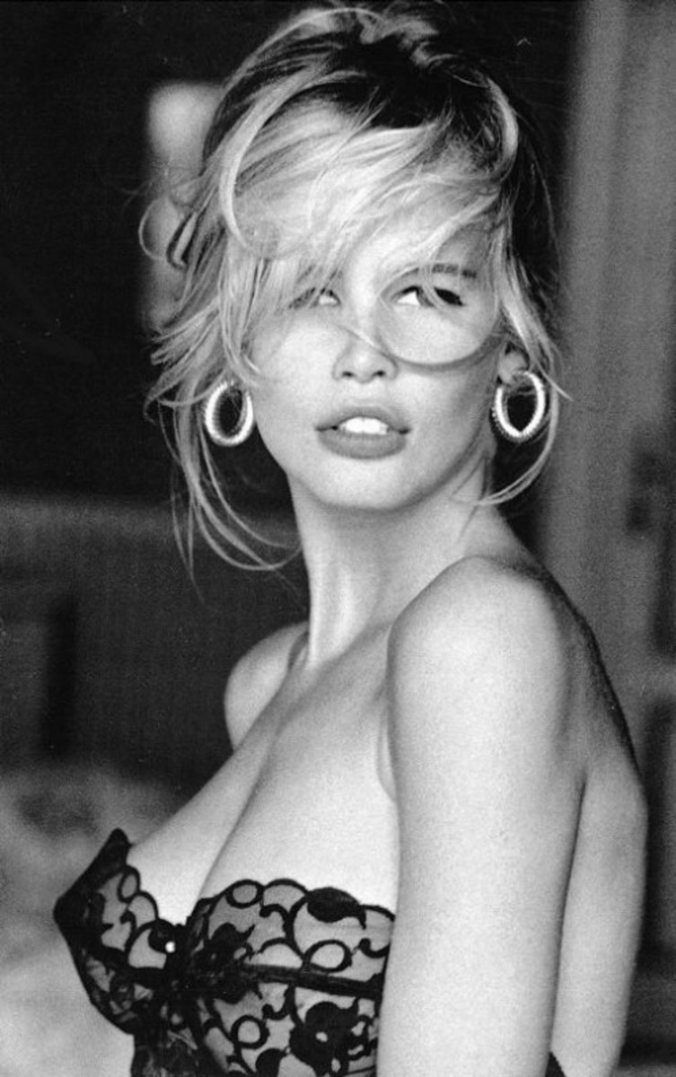 Supermodel Claudia Schiffer made $12 million in 1995