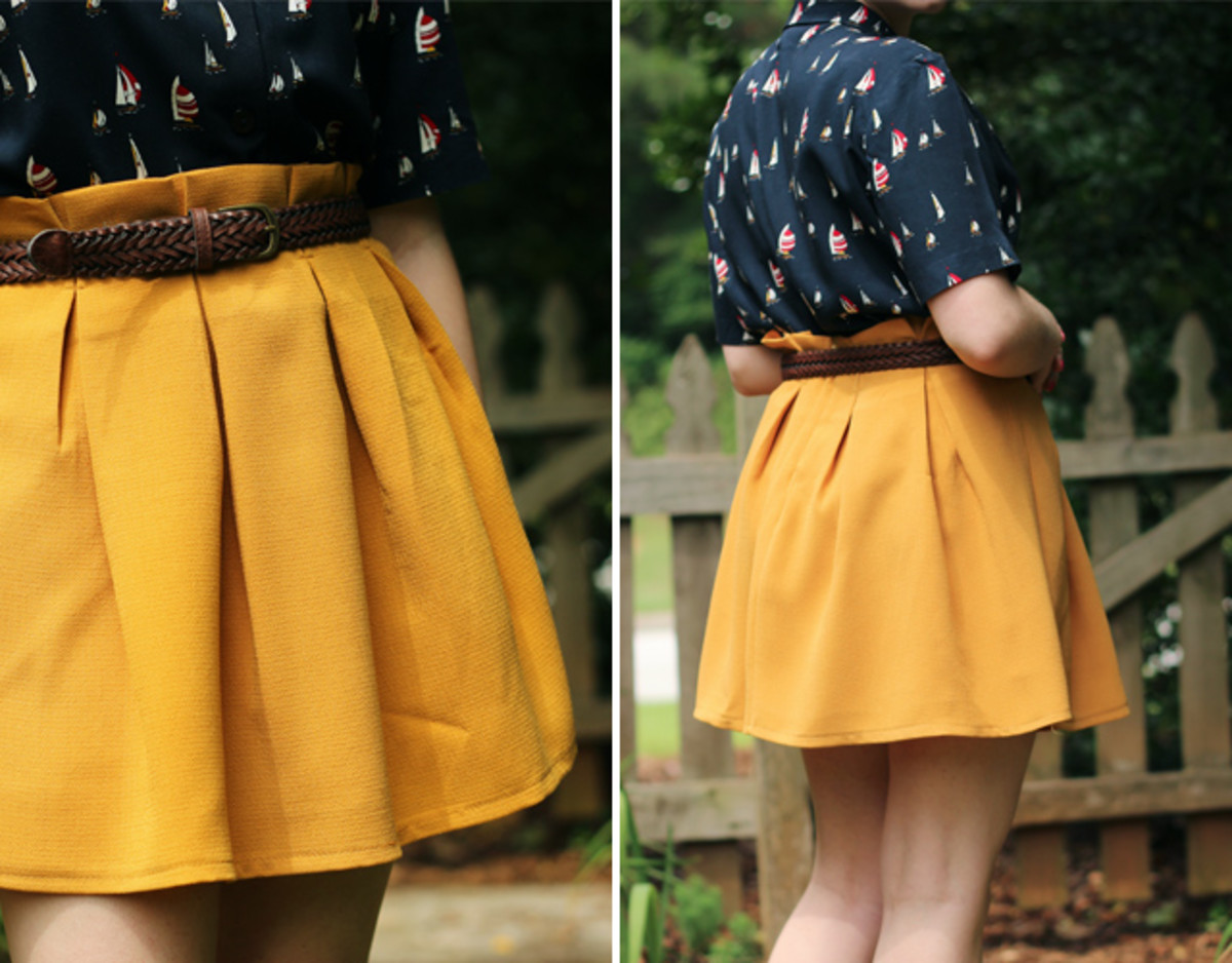 Very few people can pull off a pleated skirt.