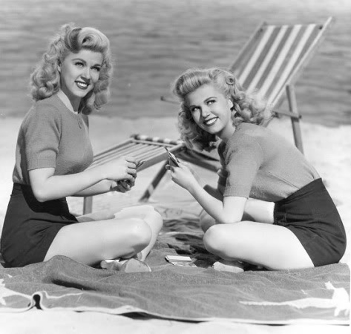 Victory rolls were not only stylish, but patriotic.