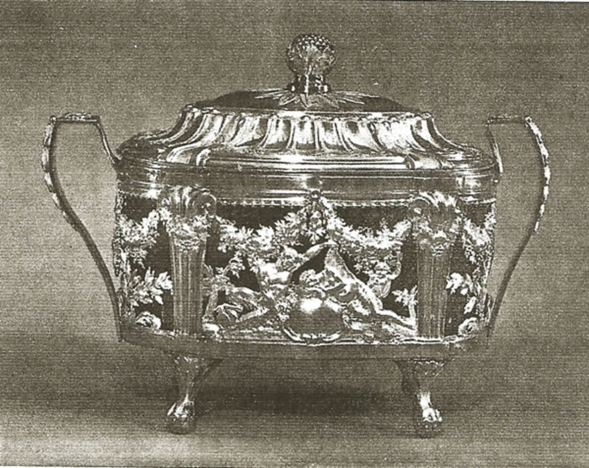 1786 platinum sugar bowl by Marc Janety.