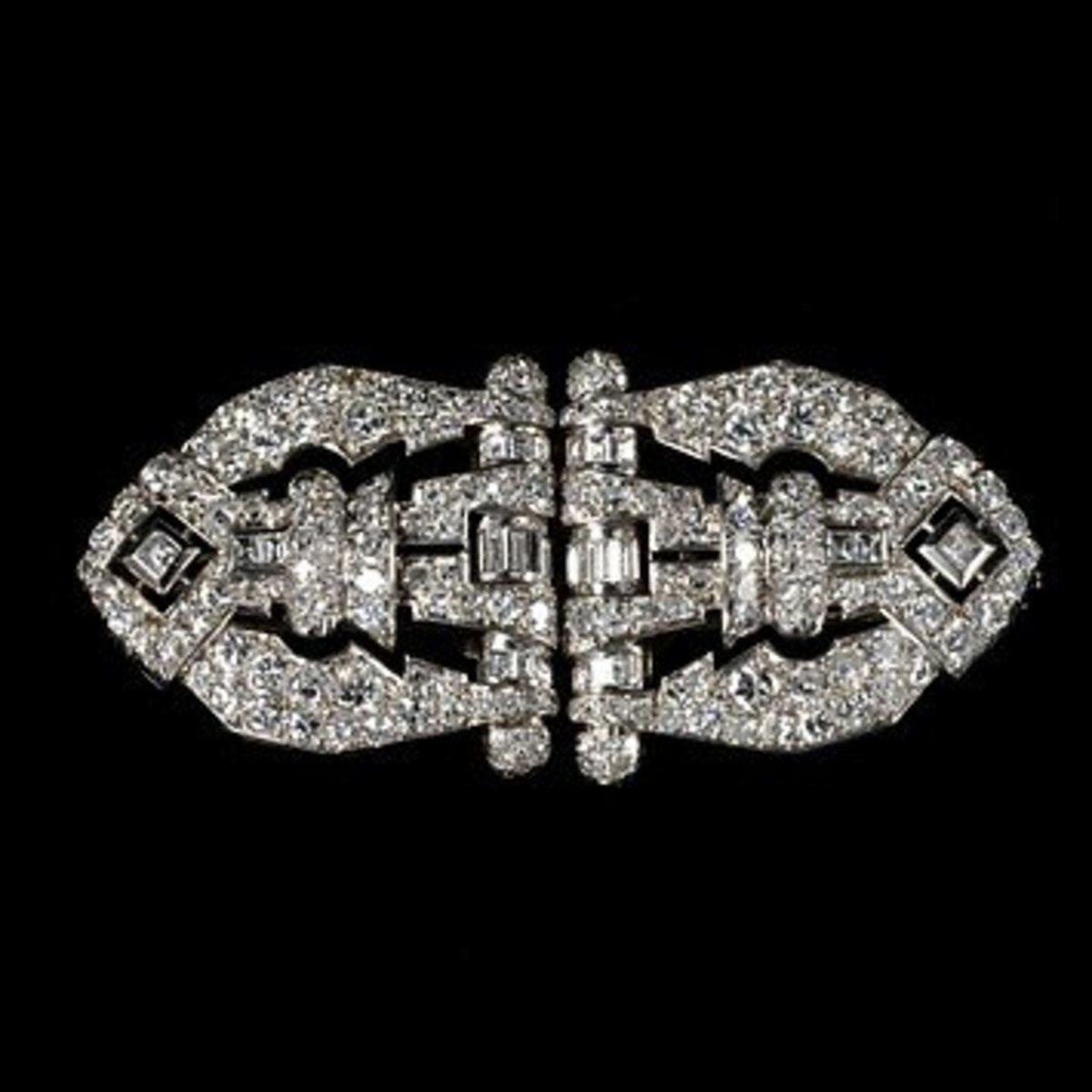 Art Deco diamond and platinum brooch.