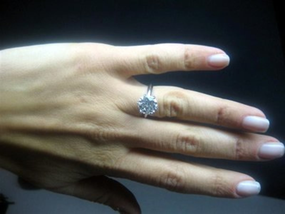 Choose a well cut diamond that will sparkle on her finger!
