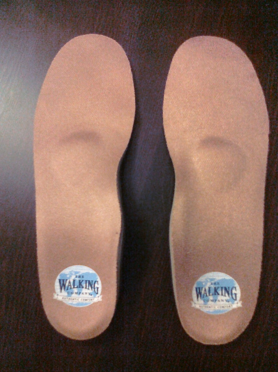 Footminders® Orthotics Help Relieve Foot Pain Due to Flat Feet and Plantar Fasciitis. Podiatrist-designed Footminders orthotics help correct a biomechanical imbalance caused by flat feet and low arches known as overpronation (rolling inward of the ankles).
