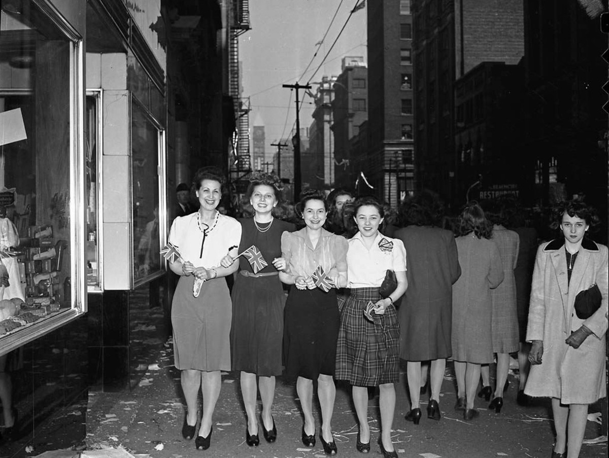 Women in the 1940s - Fabric Restrictions Meant Short Skirts