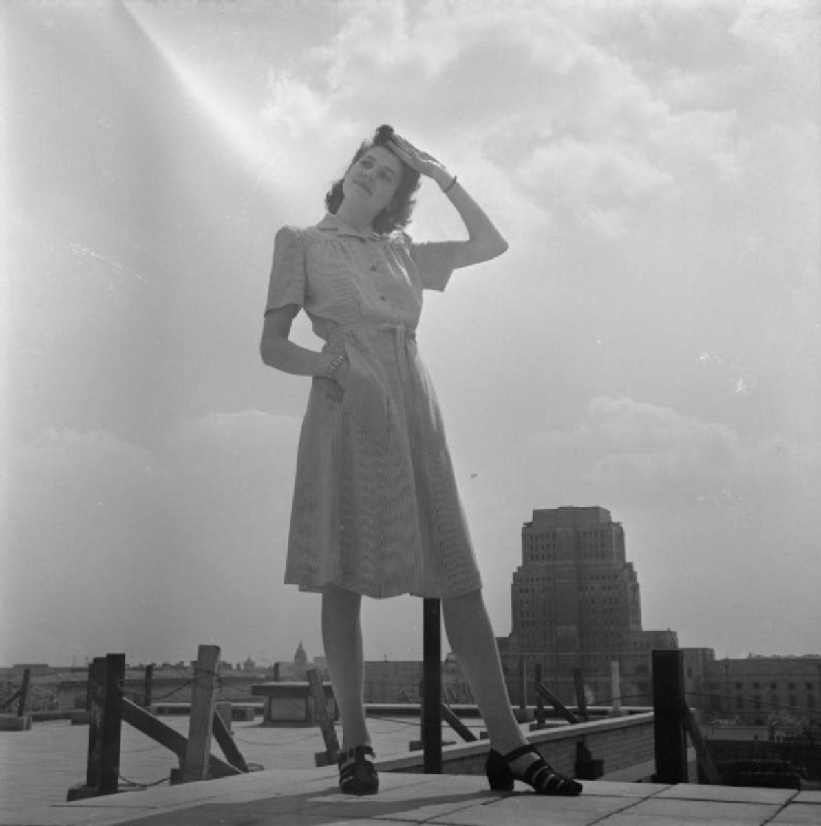 Simple dress made of rayon following utility standards (1943).