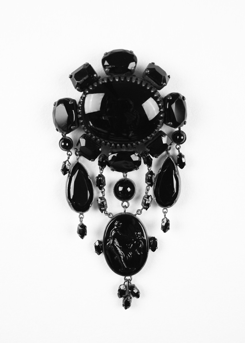 Mourning jewelry - a jet brooch