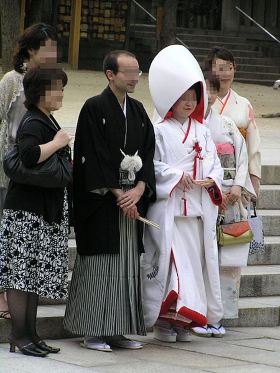 A Shinto wedding dress (in this case, the shiromuku) worn by a bride at the Minatogawa shrine in Japan.