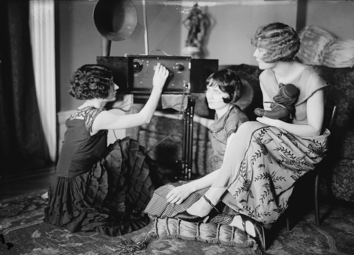 The Brox Sister, Bobbe, Lorraine and Patricia were Broadway and Jazz singers