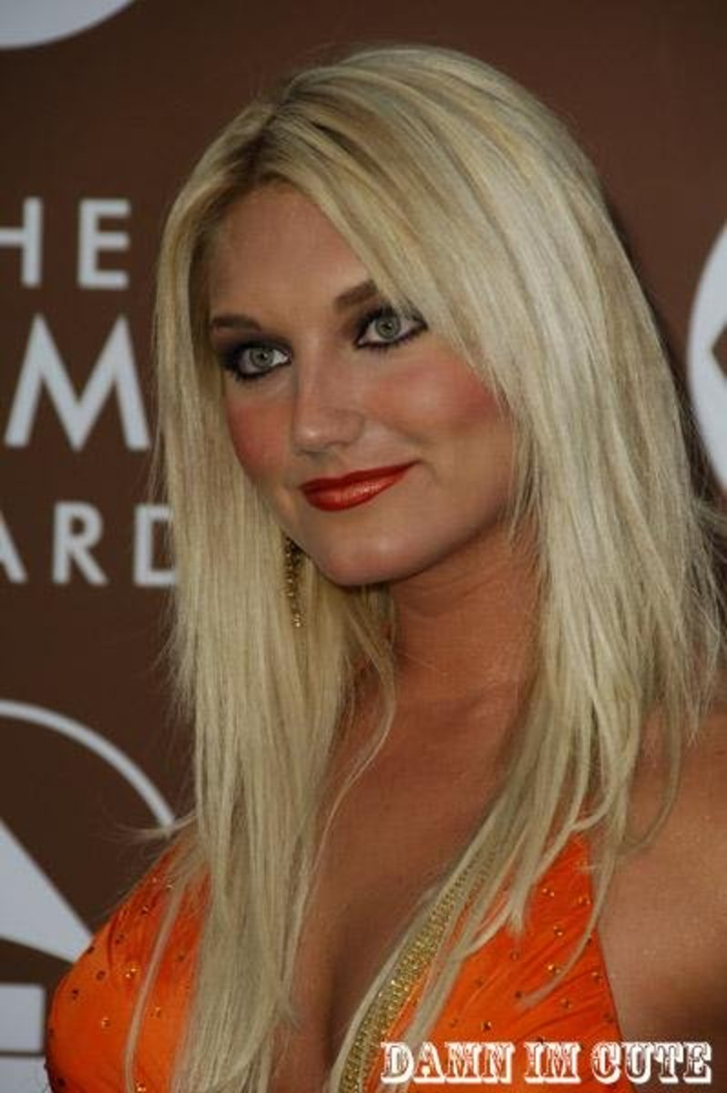 Brooke Hogan's overly colorful look