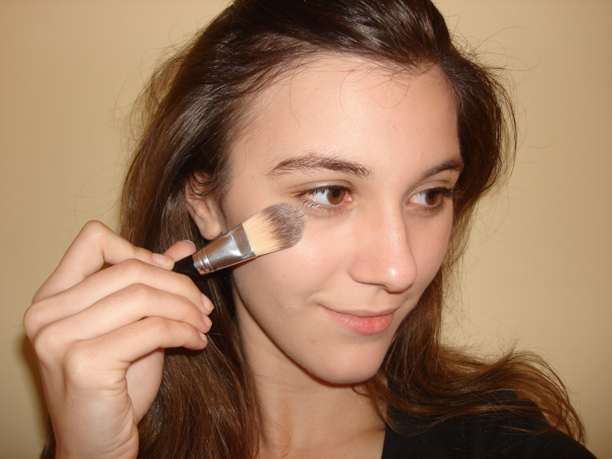 Tip: Blend from the edges of your face to the middle of it to avoid over application.
