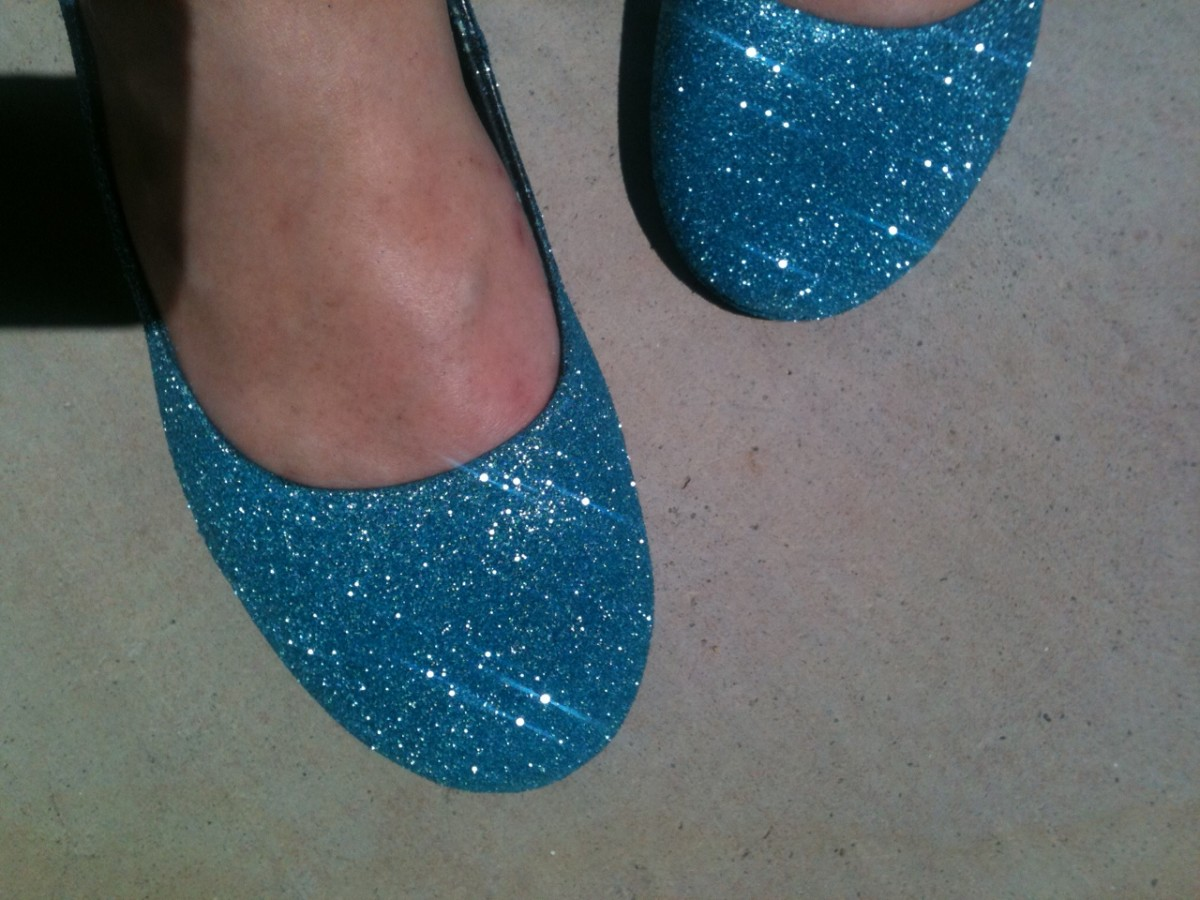 Do it yourself glitter heels.