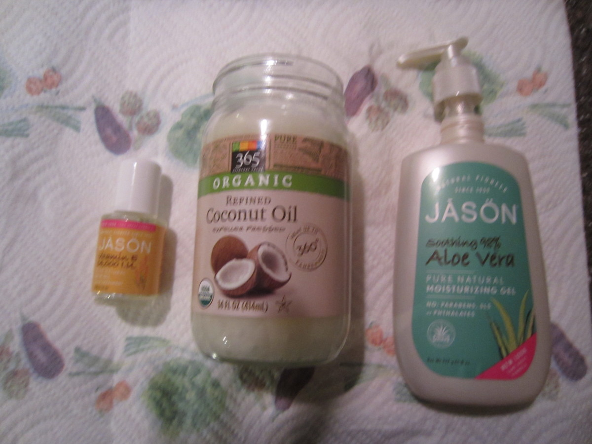 The 3 base ingredients for natural homemade lip gloss!