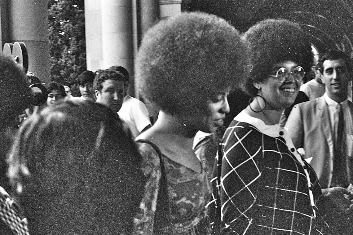 Angela Davis had an Afro hairstyle in 1969.