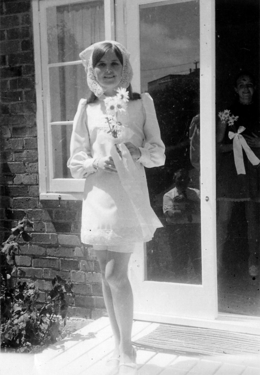 Fashions of the 1960's - Mods, Hippies, and the Youth Culture