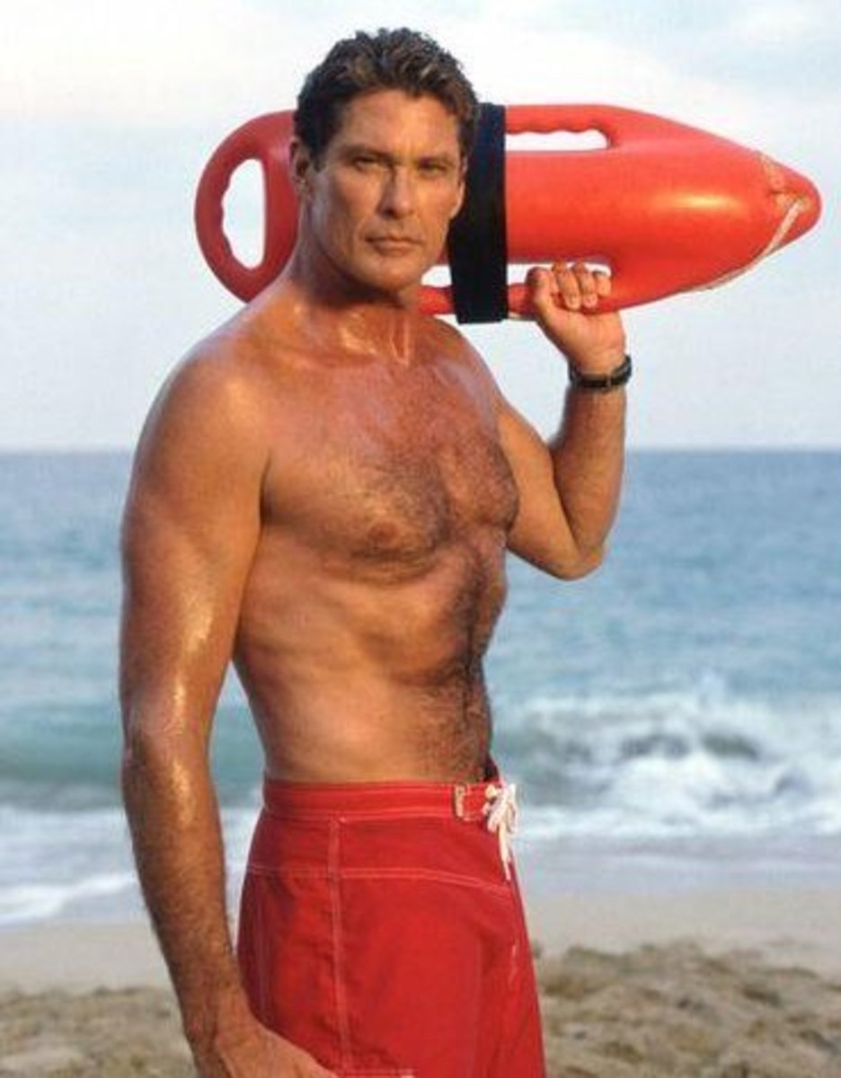 Even decades back, The Hoff knew what it took to carry the perfect look when it came to chest hair.