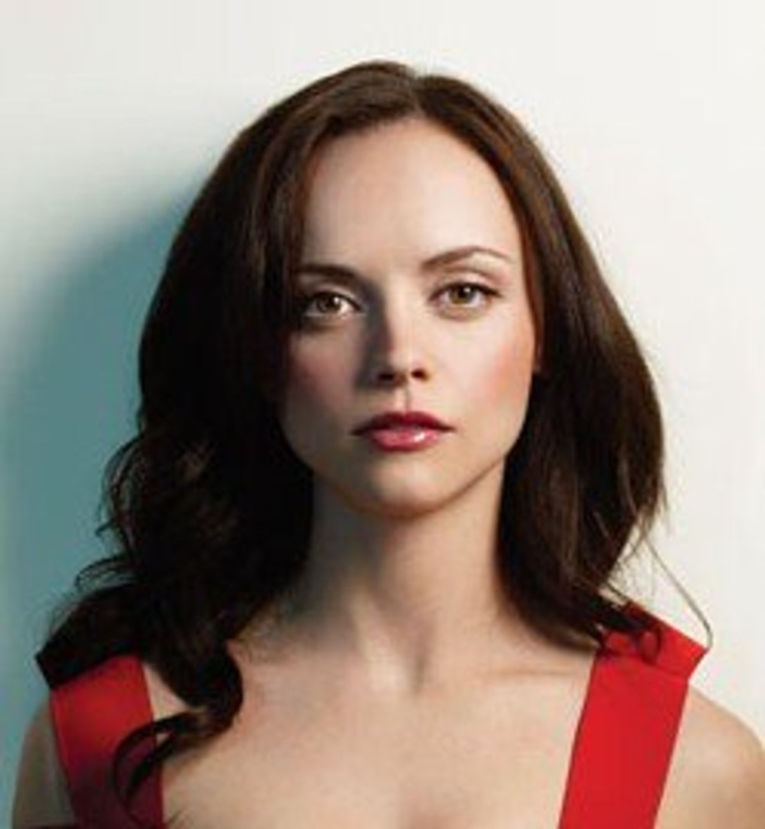 Christina Ricci. Makeup for Brunettes with Brown Eyes and Pale Skin