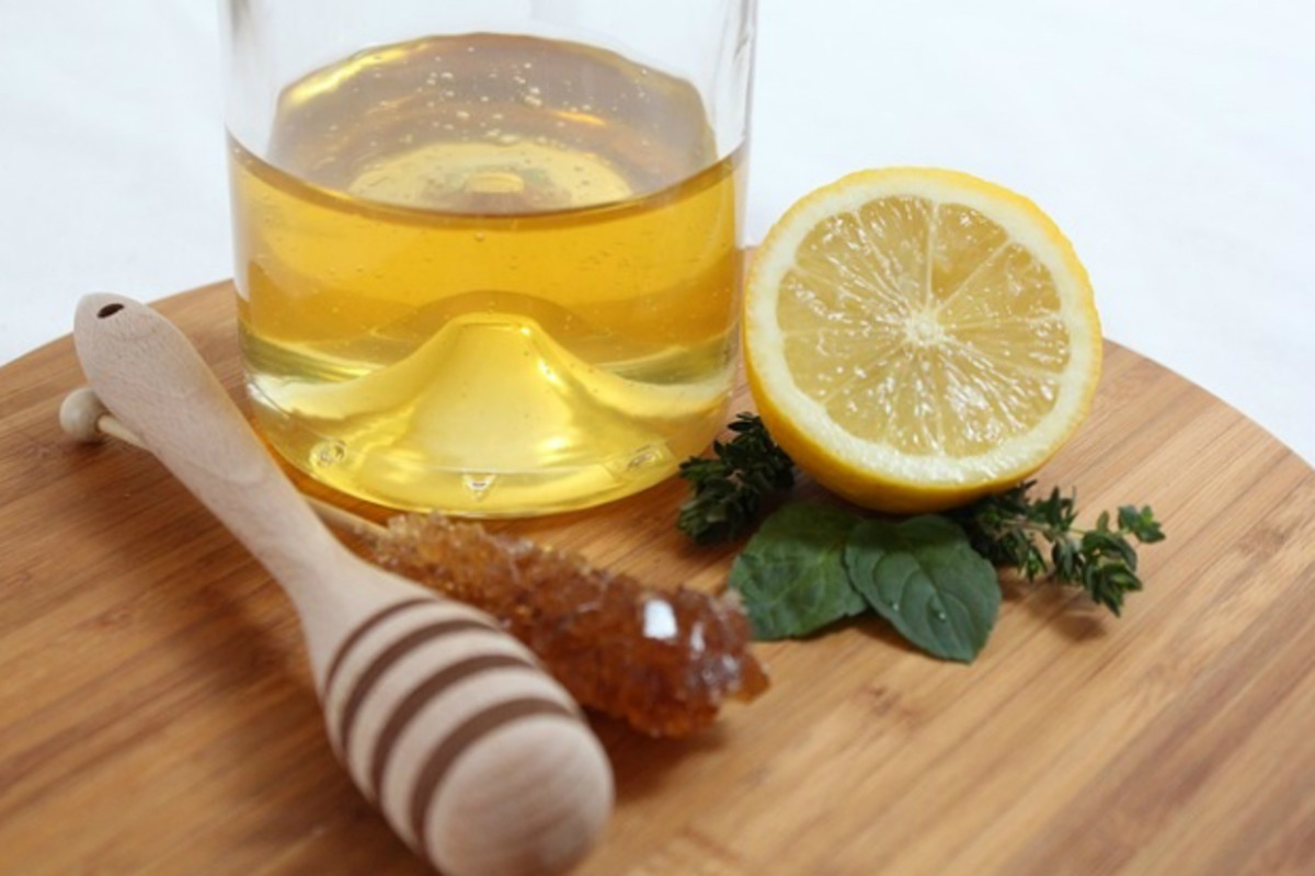 Lemon and honey both have great benefits that can help improve your skin.