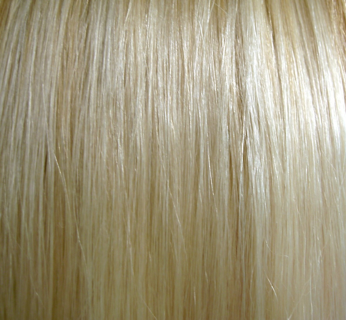 Clean and no chemicals. Hair washed with baking soda is shiny and looks lighter.