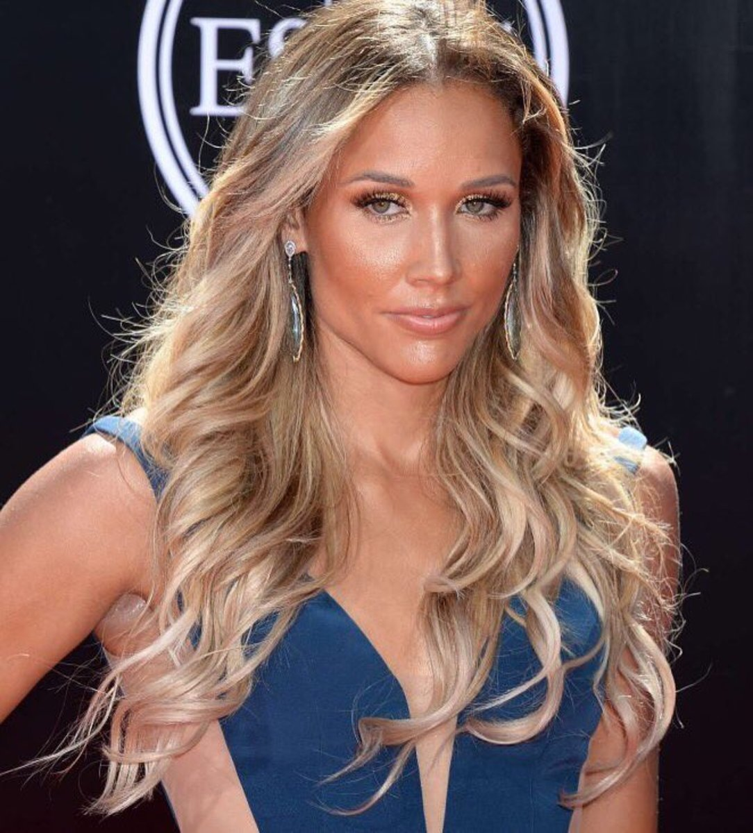 LoLo Jones Ash Blonde