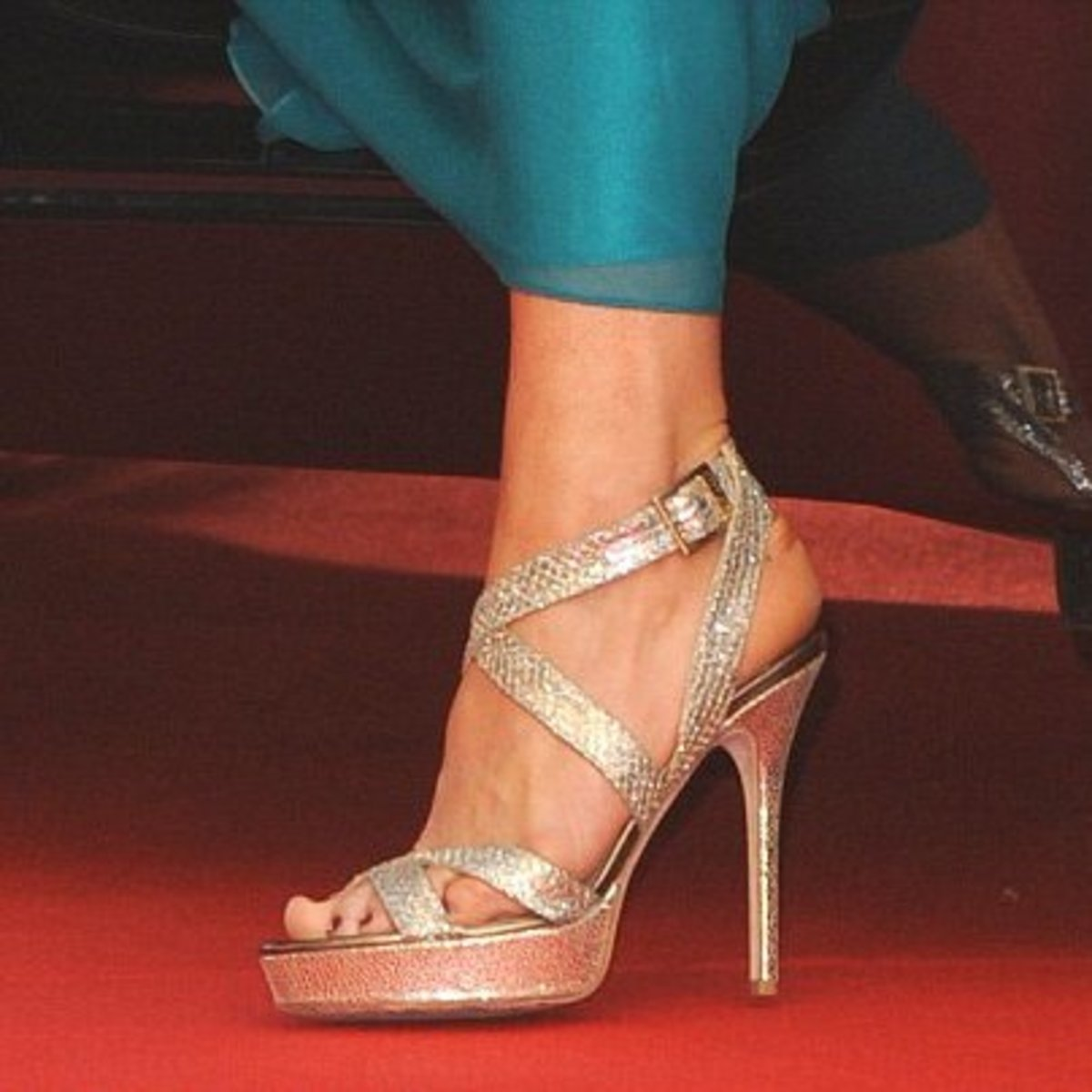 Everyone knew they were in for a stunning spectacle the minute Kate stepped out of the car. Her Jimmy Choo Strappy Platforms were the first to catch the public eye.