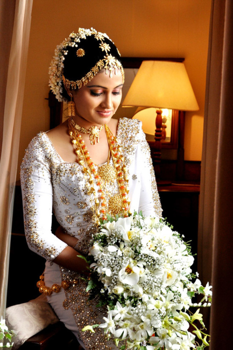 The kandyan bridal jewelry set bellatory for Wedding party dresses in sri lanka