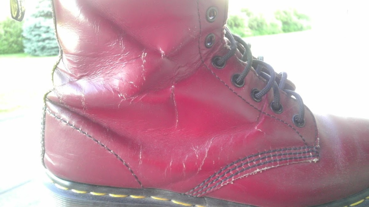 Check out those marks on these cherry reds! That's a best-loved boot right there.