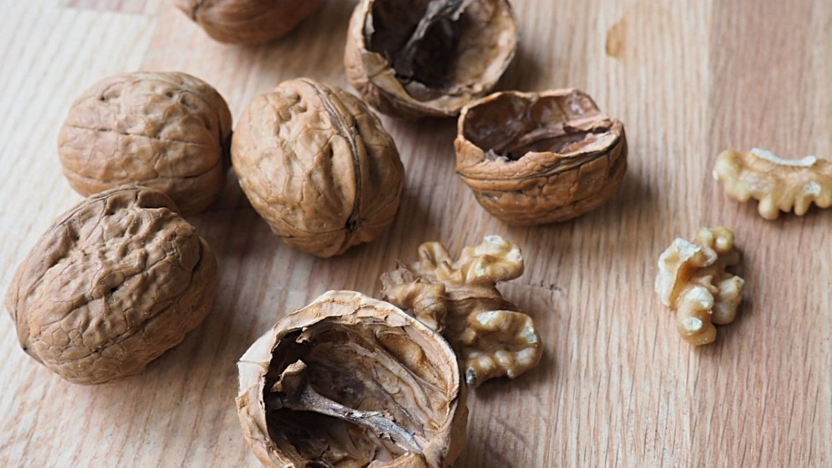 Walnuts can darken your hair? Who knew?