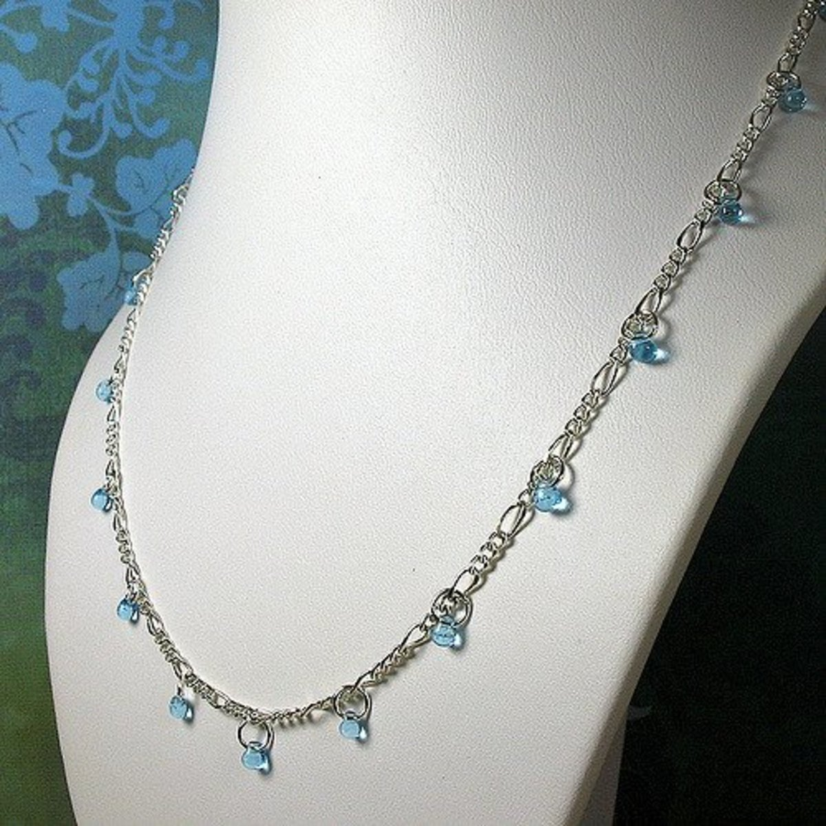 Embellished Figaro necklace chain.