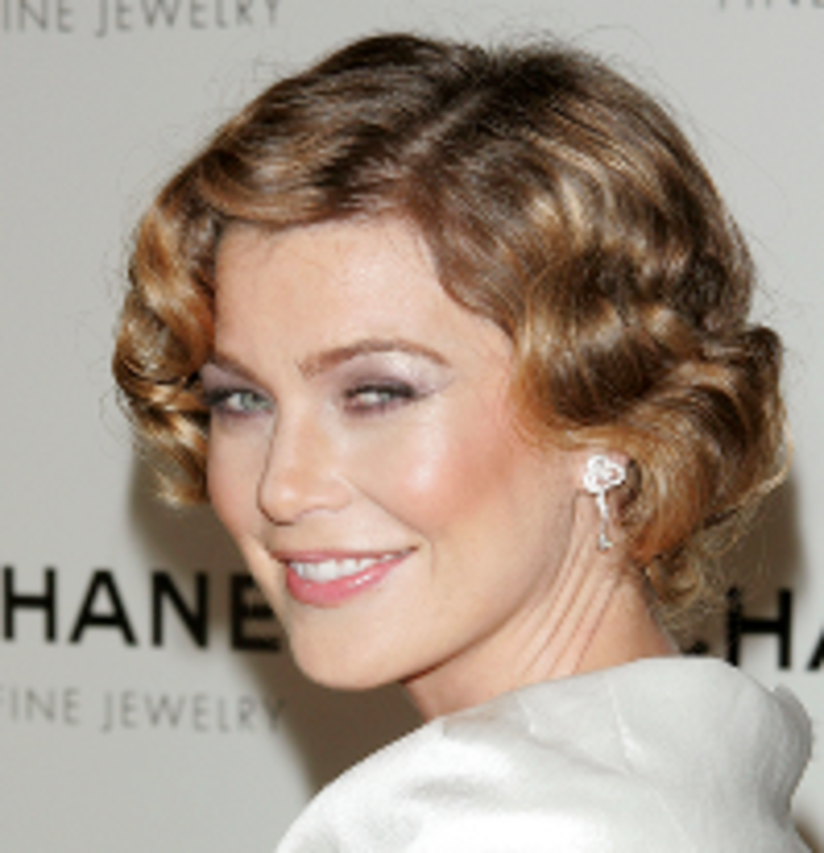 The finger wave hairstyle for short hair.