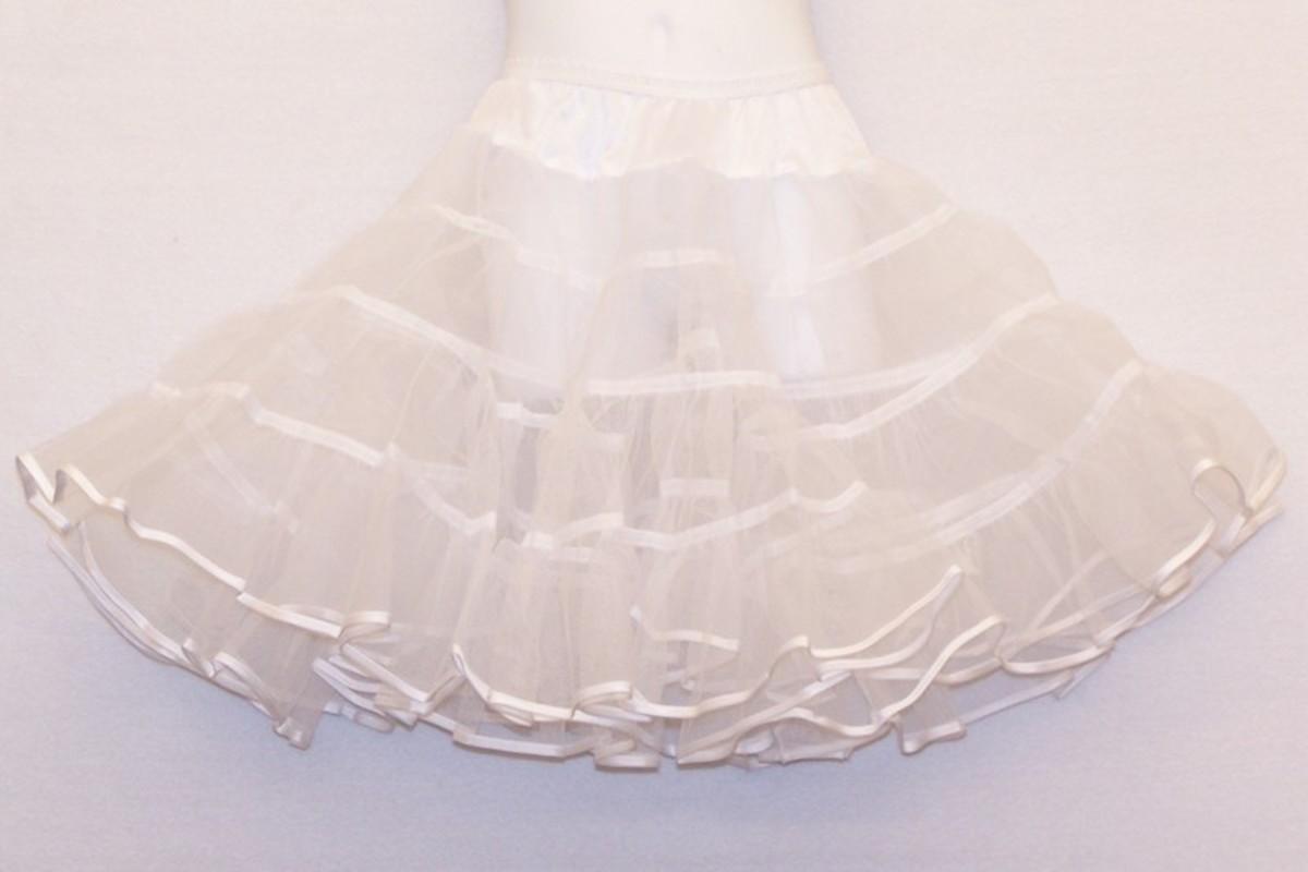 Nylon mesh petticoat.
