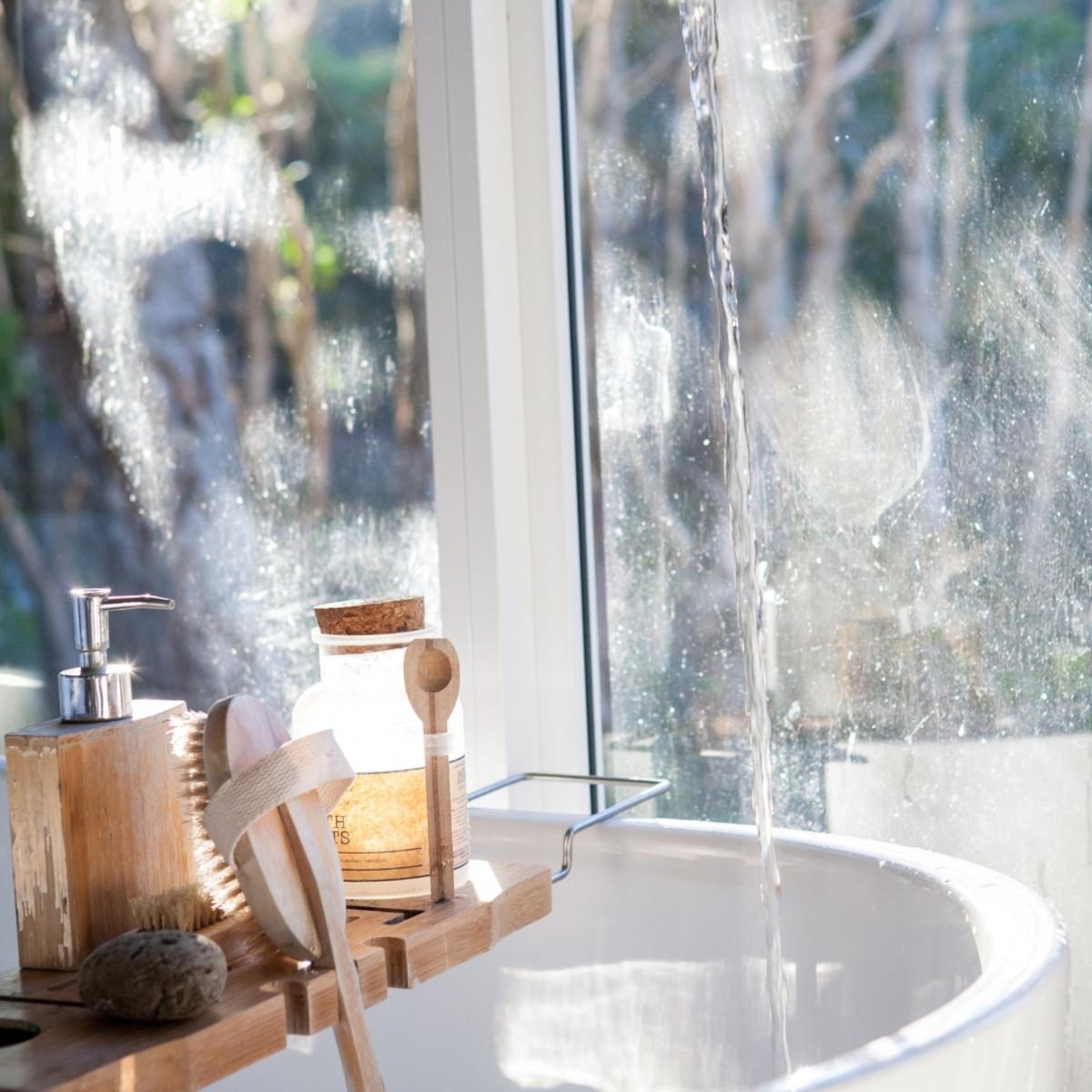 Paper yourself with this moisturizing, exfoliating Dead Sea salt scrub recipe!