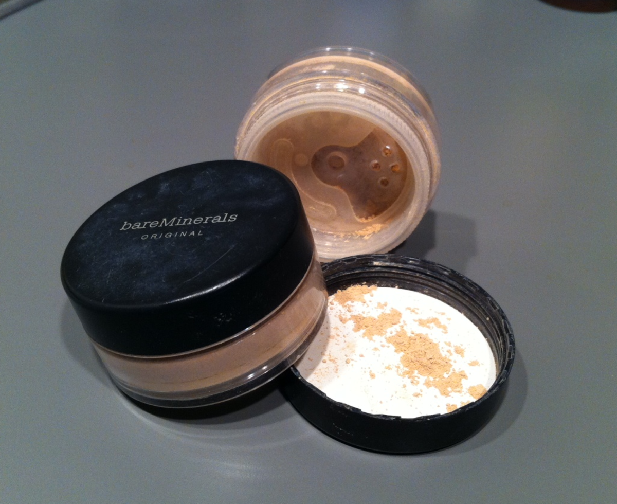 Mineral Foundation from BareMinerals (contains bismuth oxychloride).