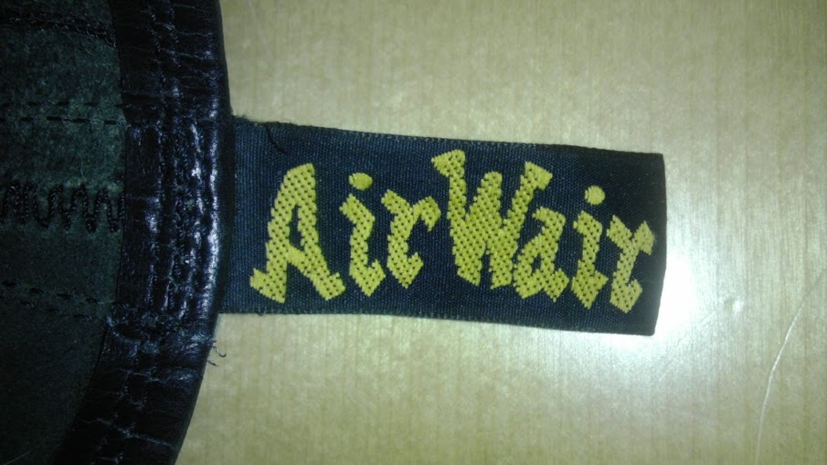 This AirWair logo is strong, with plenty of deep yellow thread and has lasted wonderfully well, without stretching or getting out of shape.