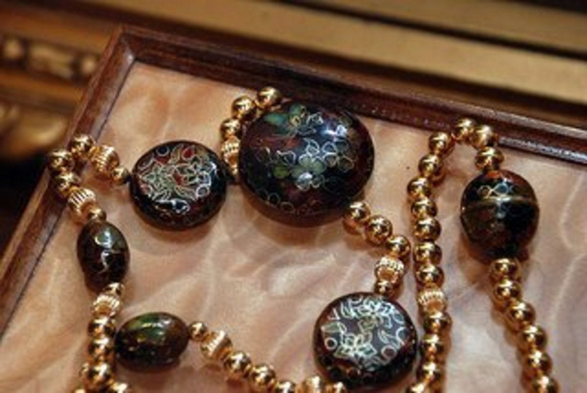 How are jewelry made : Example of cloisonné jewelry