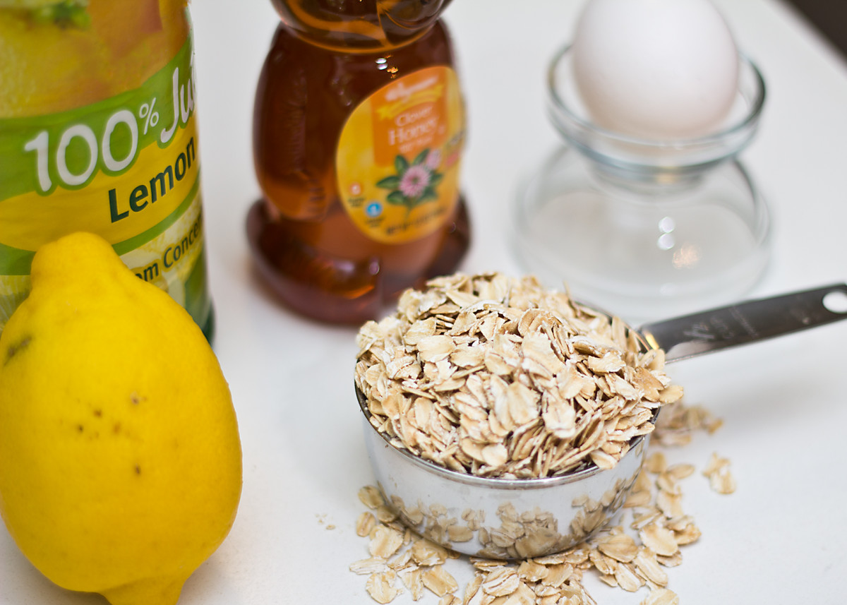 Some of the basic ingredients for an easy homemade facial mask are lemon juice, honey, egg whites, and oats.