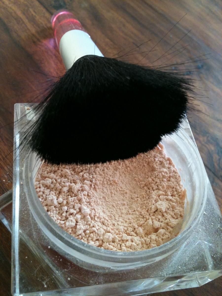Powder and large soft powder brush. Photo ©Redberry Sky