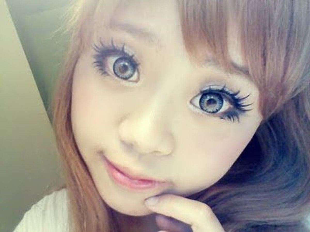 The right contact lenses can create a living doll