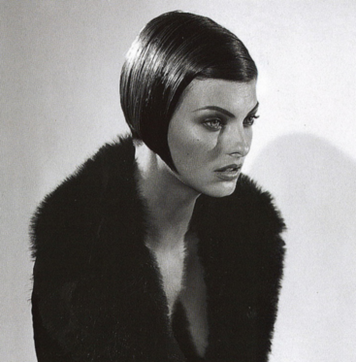 Linda Evangelista (circa 1995) and the iconic Vidal Sassoon Bob.