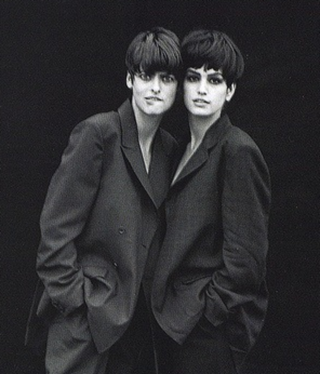Linda Evangelista and Cindy Crawford with boy-cuts 1989.