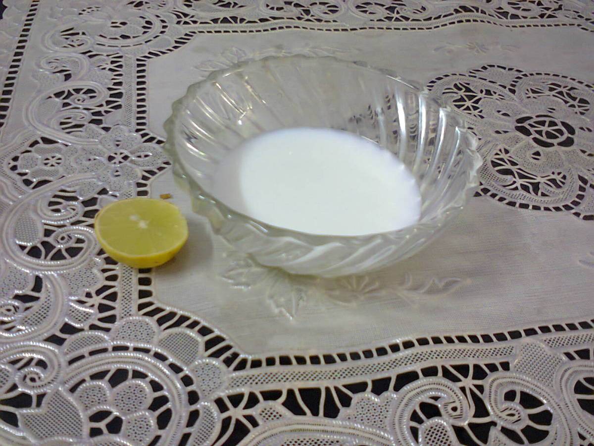 Lemon and Milk to make face pack