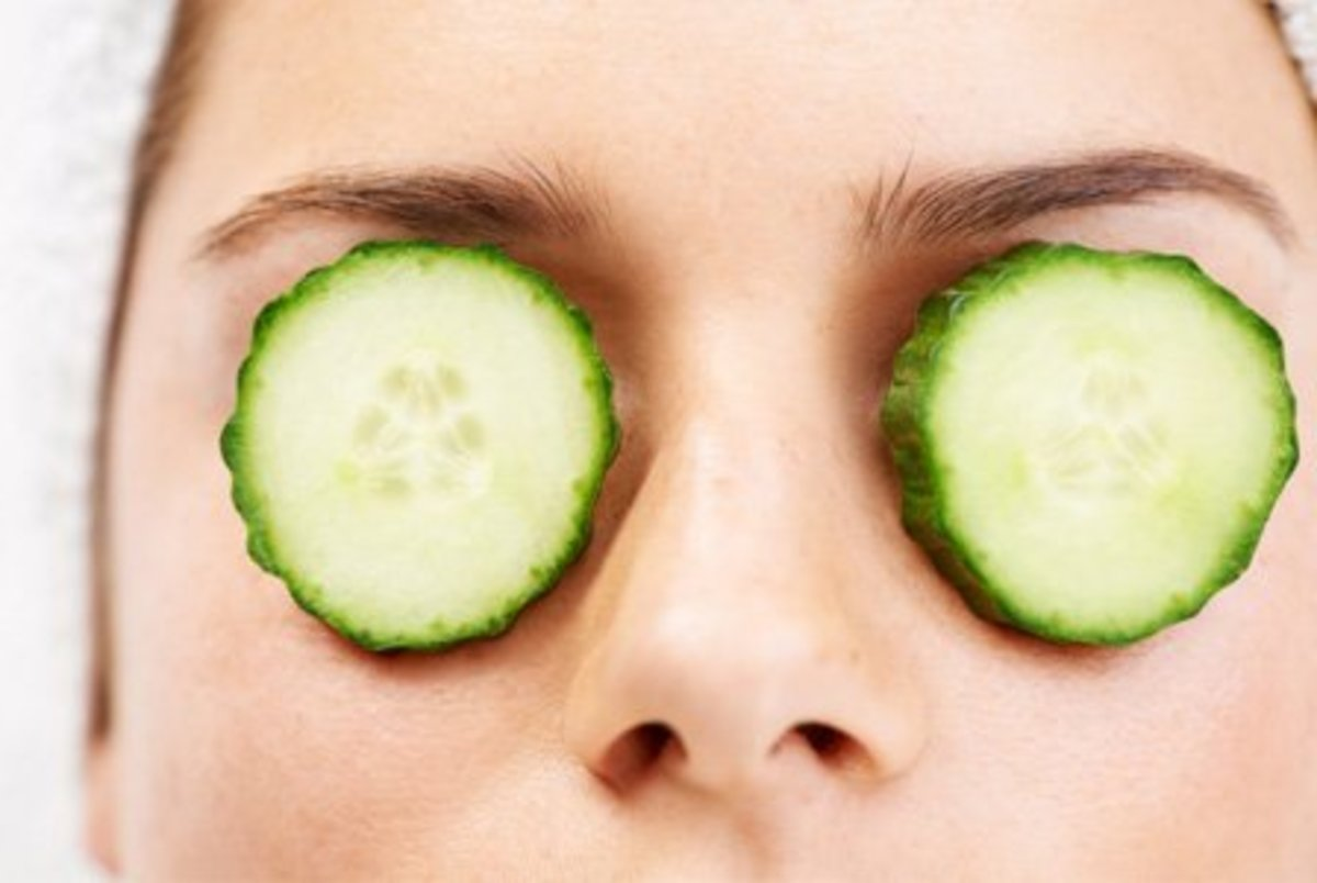 Cucumbers can indeed be effective at reducing swelling around your eyes.