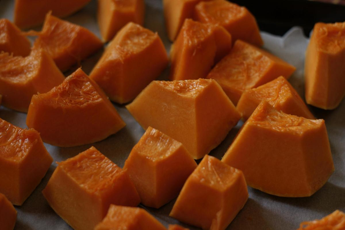 Pumpkin is delicious, but it can also be used to improve the health of your hair.