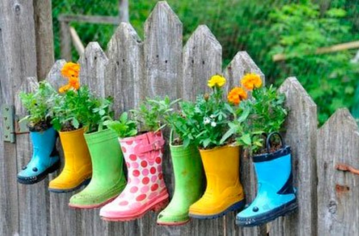 This is Dominance for plants. The fertiliser already on the boots is caked onto the underside, where the plants can crave, but can't have.