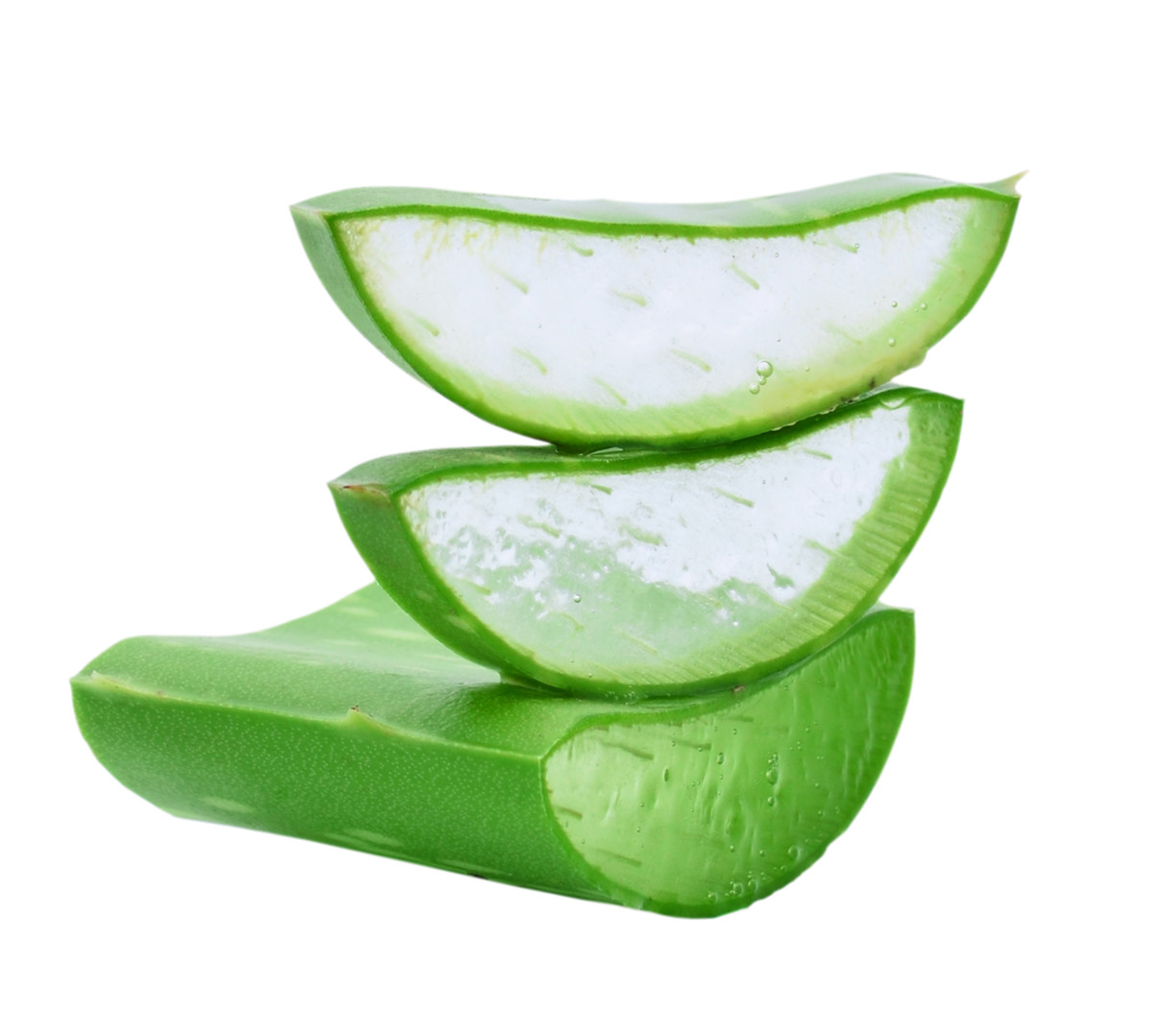 The anti-bacterial and astringent properties of Aloe Vera helps to keep the skin clear