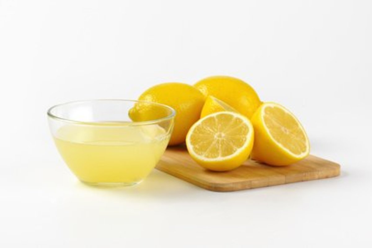 Lemon juice helps to dry out spots and other blemishes