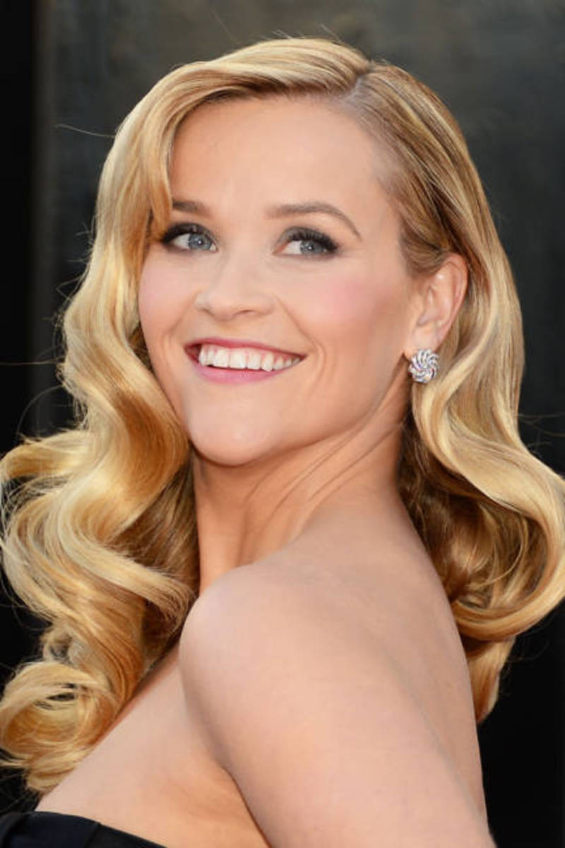 Reese Witherspoon rocking the Lake look.