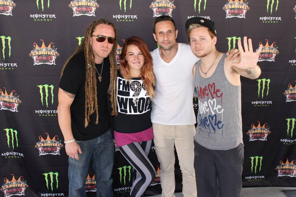 Awesome-haired people only. And members of Shinedown.
