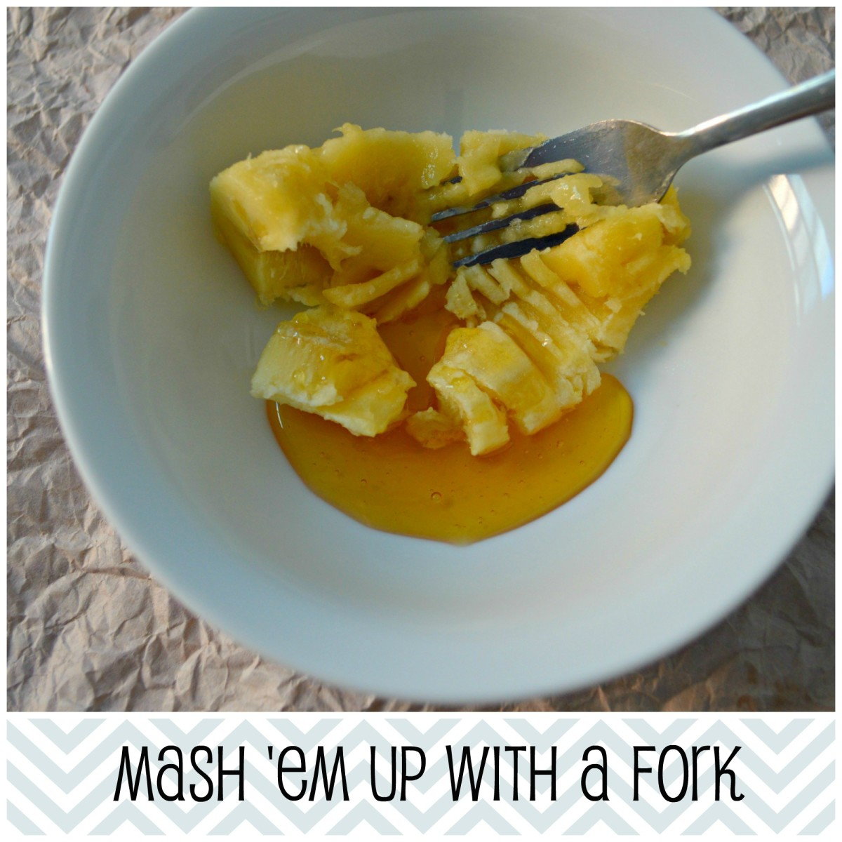 Just use a fork to mash it up, only takes 20 seconds. No need to use a blender here.
